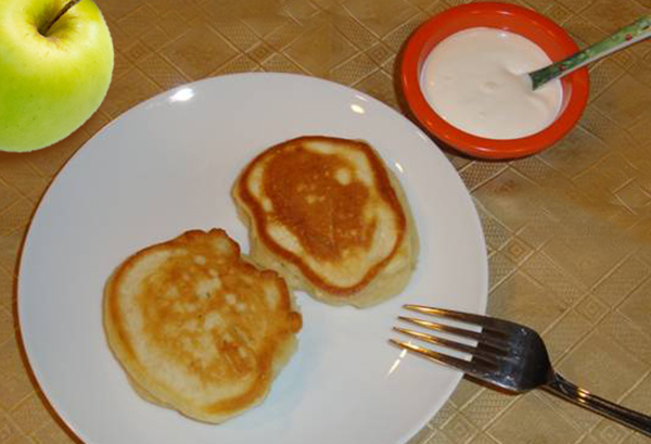 apple in coat pancakes